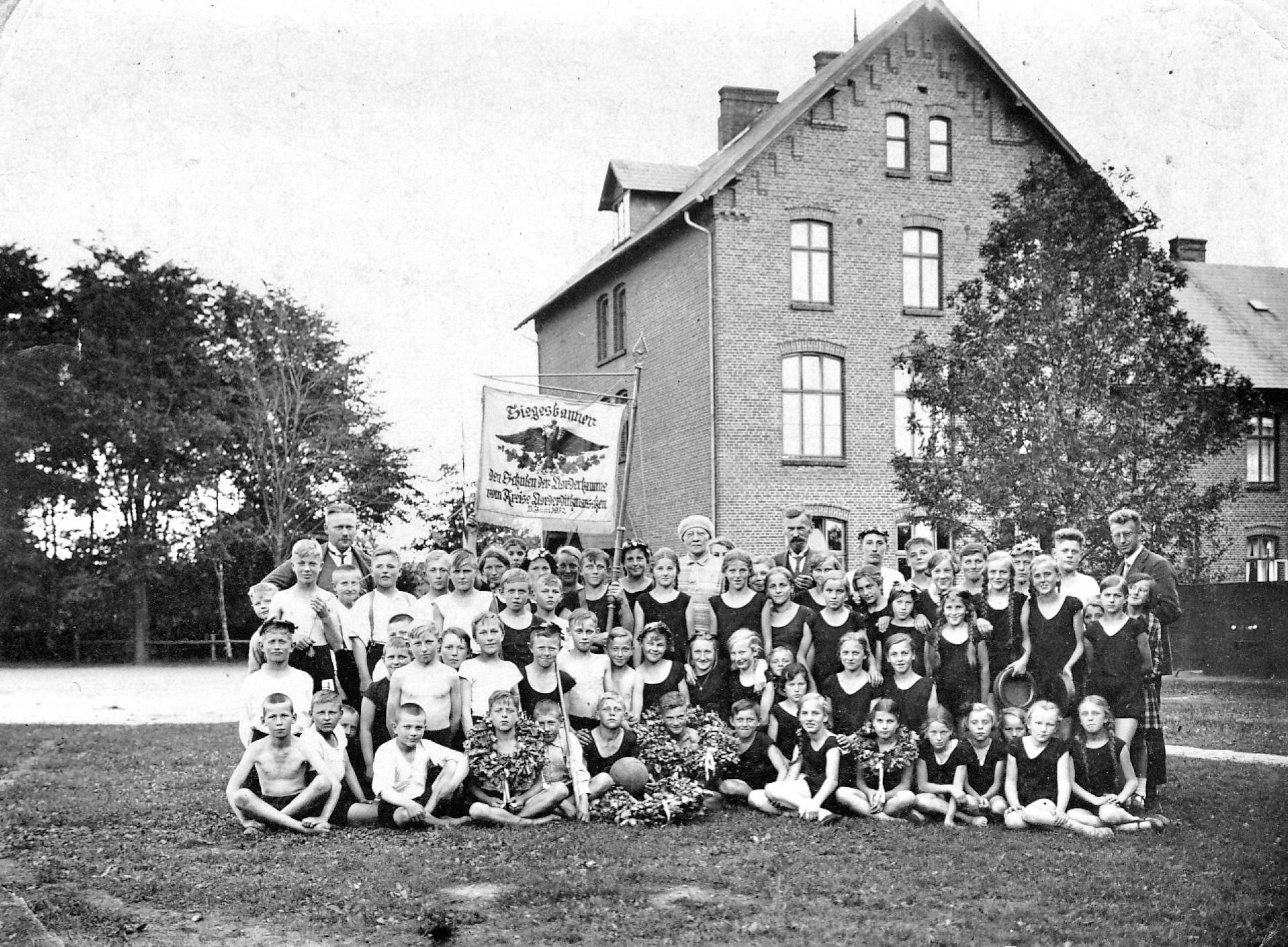 dorf_bilder/Chronik-Hennstedt-98.jpg